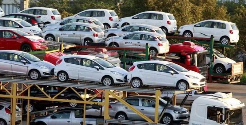 وزیر صنعت: اعلام قیمت خودرو های پر فروش تا هفته آینده؛ آشوب و رکود در بازار خودرو