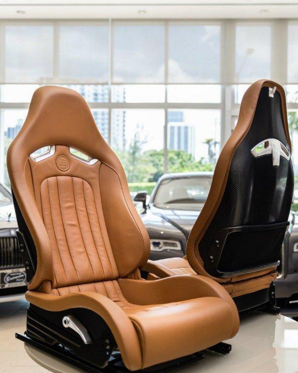 9dc08ec0-bugatti-veyron-interior-for-sale-3