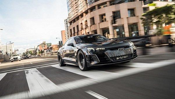 آئودی ای-ترون GT