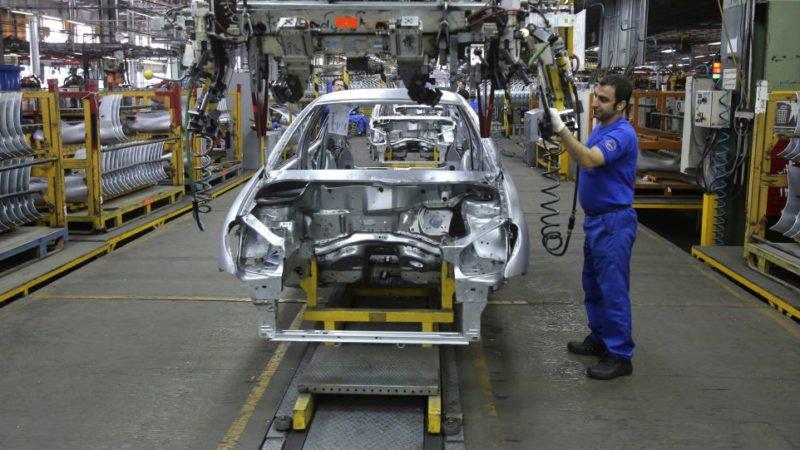 اجرای استانداردهای ۸۵ گانه می تواند به تیر خلاص صنعت خودروسازی تبدیل شود