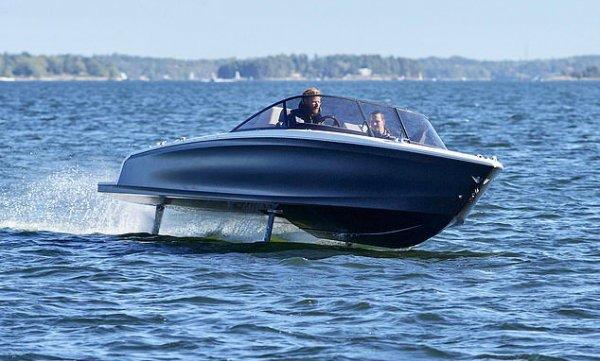 پس از خودروها نوبت به قایق ها رسید؛ مشخصات اولین قایق برقی جهان از شرکت کاندلا