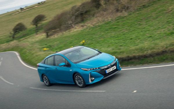 چرا تویوتا خودرویی با پیشرانه تمام الکتریکی تولید نمی کند؟