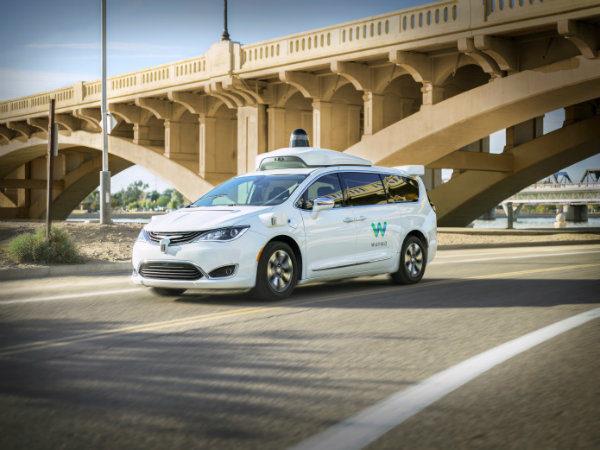 گامی بزرگ به سمت تاکسی های بدون راننده؛ ویمو سرویس Waymo One را راه اندازی کرد