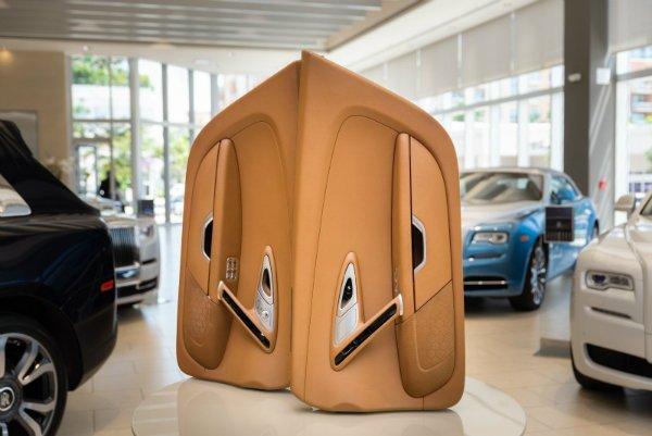 a7322e3e-bugatti-veyron-interior-for-sale-4