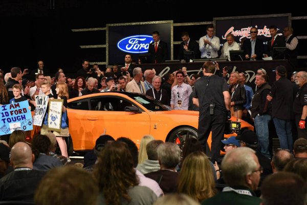 363115db-2020-ford-mustang-shelby-gt500-auction-3