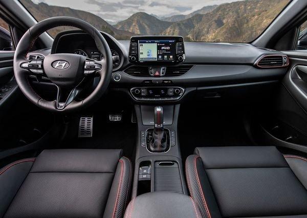 Hyundai-Elantra_GT_N-line-2019 (11)