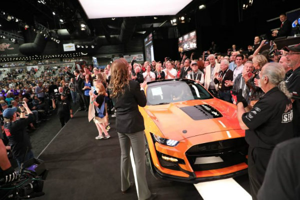 a6163dea-2020-ford-mustang-shelby-gt500-auction-2-768x512