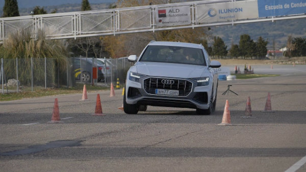 audi-q8-aces-moose-test-with-79-km-h-top-speed (4)