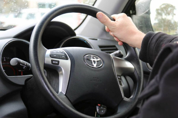 steering-wheel-toilet (1)