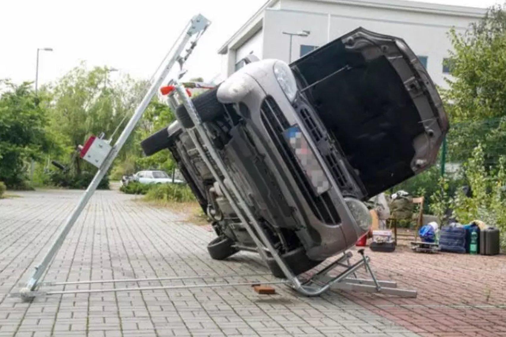 این جک تعمیر زیر خودرو را آسان تر می کند [تماشا کنید]