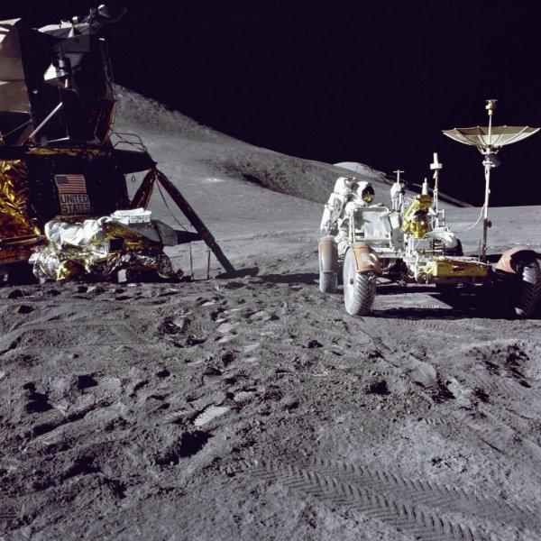 189bc99e-lunar-rover-3-768x768