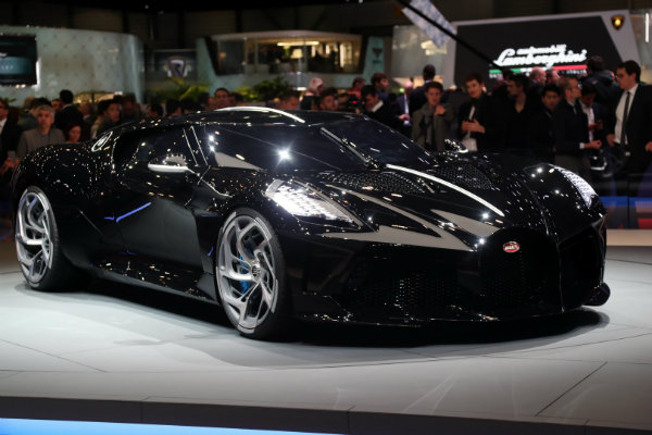562be45c-2019-bugatti-la-voiture-noire-live-pics-6