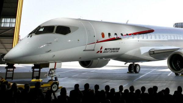 آتش نشان میتسوبیشی Japan's Mitsubishi Regional Jet