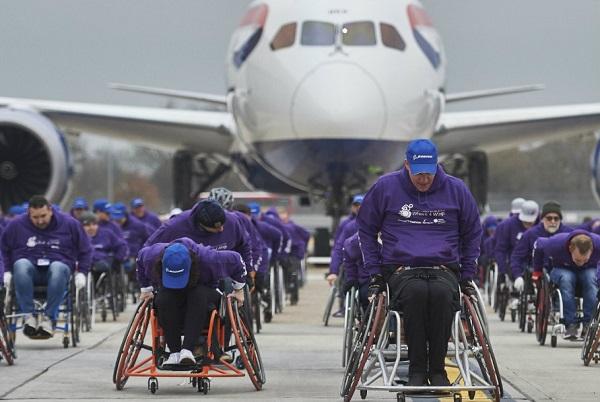 سنگینترین هواپیمایی که توسط ویلچرسواران کشیده شده