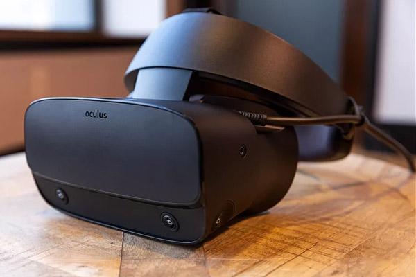 آکیلس با همکاری لنوو از هدست واقعیت مجازی Rift S رونمایی کرد