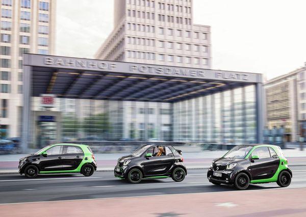 Smart-fortwo_Cabrio_electric_drive-2017-1280-34