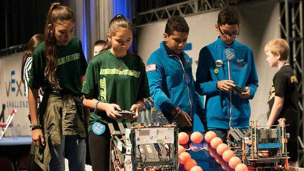 بزرگترین مسابقه رباتیک جهان