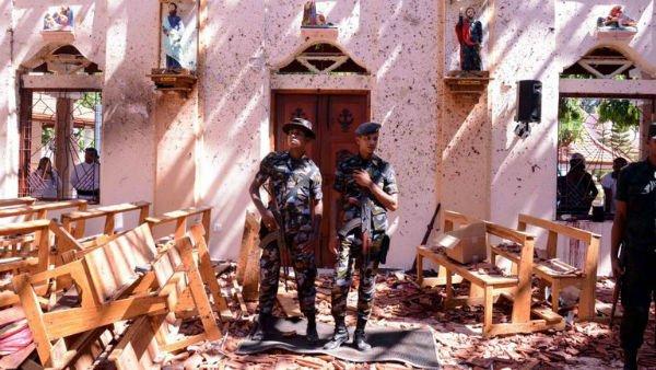 محدودیت دسترسی به شبکههای اجتماعی در سریلانکا به دنبال انفجارهای دیروز در این کشور - 16