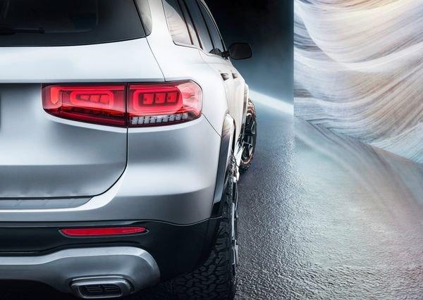 Mercedes-Benz-GLB_Concept-2019 (16)