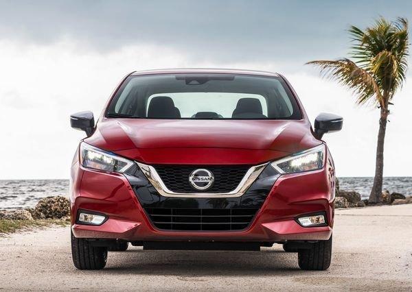 Nissan-Versa-2020 (8)