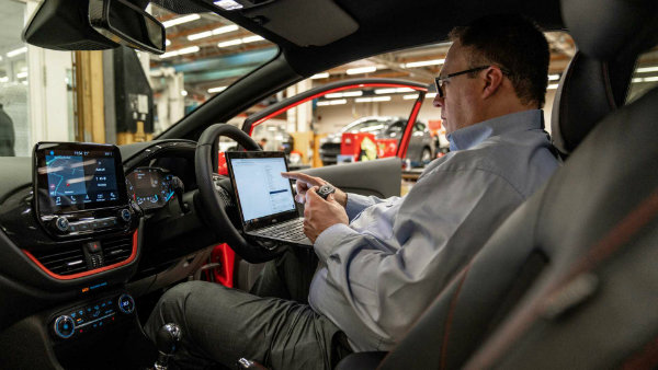 روش مقابله با مشکلات سیستم ورود بدون کلید؛ سرقت خودروهای فورد دیگر آسان نیست - 18