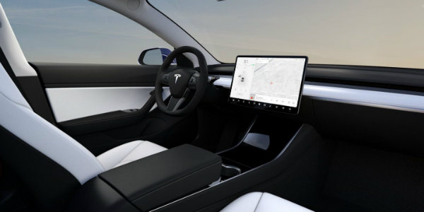 tesla-model-3-white-interior-2-e1526831089773