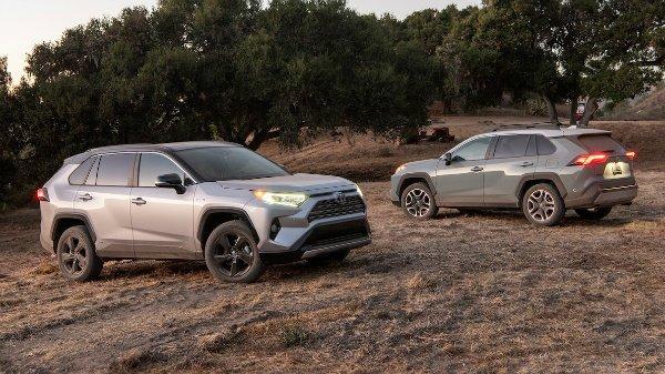 2019-Toyota-RAV4-Limited-2019-Toyota-RAV4-HSE-HV-2019-Toyota-RAV4-Adventure-6