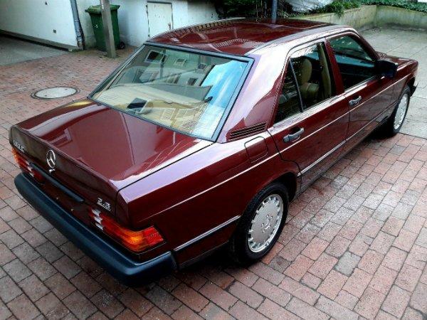 3ee1f3a7-1986-mercedes-benz-190e-2.3-22