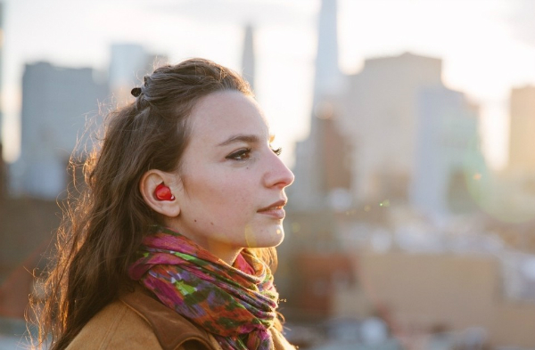 گجتهای مدرنی که از گوش به عنوان درگاه USB استفاده میکنند