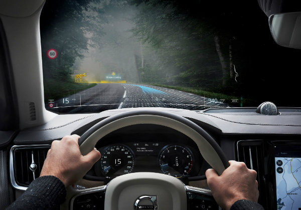 d7fabd9d-volvo-mixed-reality-application-development-4