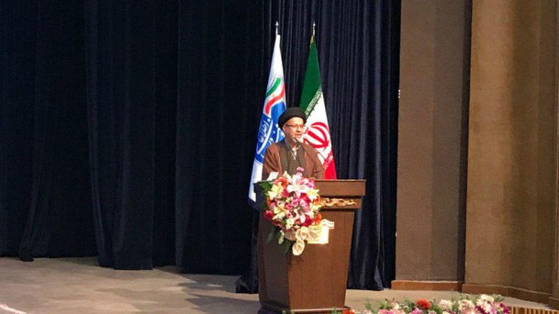 دبیر شورای عالی انقلاب فرهنگی: برای رسیدن به شبکه ملی اطلاعات باید به ایجاد اینترنت ۳ فکر کنیم