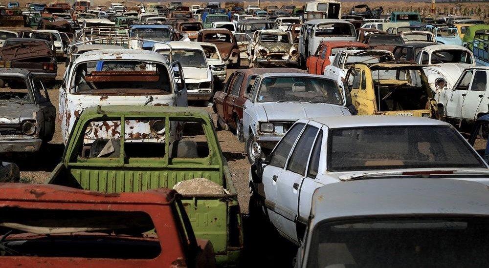 در پی ممنوعیت واردات و عدم اسقاط خودروها، سونامی خودروهای فرسوده در راه است