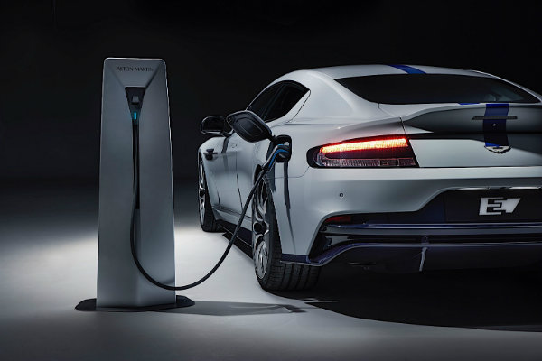 2020-aston-martin-rapide-e-in-the-uk-for-the-first-time-heads-to-silverstone_7