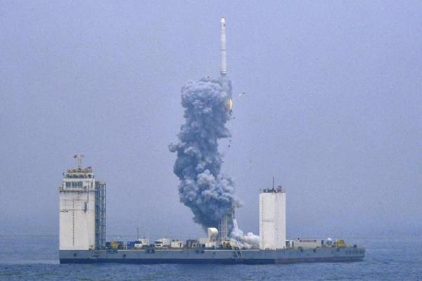 پرتاب راکت از دریا