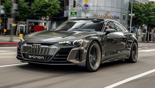 Audi E Tron GT Concept 24 600x339 مدیرعامل آئودی: تسلا 2 سال از سایر خودروسازان جلوتر است اخبار IT