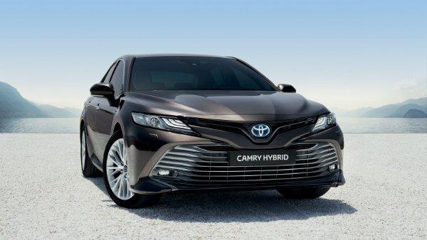 Hybrid Toyota Camry 2019