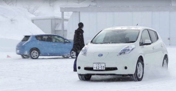 Nissan-LEAF-in-Snow