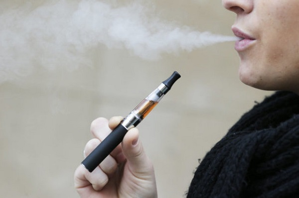 e cigarettes 684368 سیگار الکترونیکی در چند ماه خطر ابتلا به بیماریهای دهان را افزایش میدهد اخبار IT