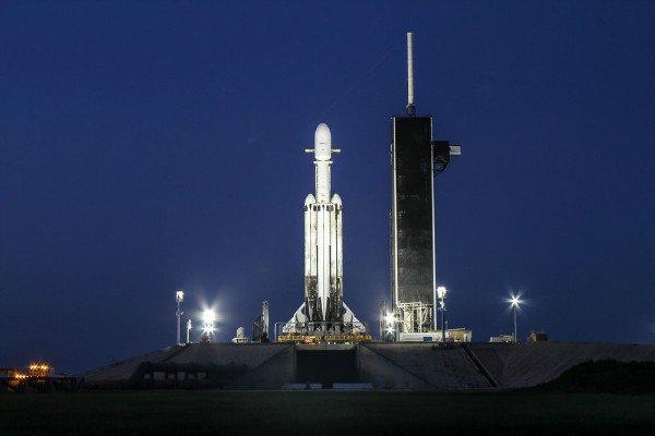 پیچیده ترین مأموریت اسپیس ایکس: فالکون هوی 24 ماهواره را به فضا برد