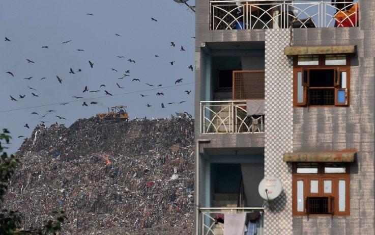 کوه زباله ها در دهلی نو