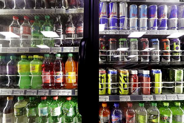 مصرف نوشیدنیهای قندی خطر ابتلا به سرطان را افزایش می دهد