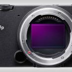 رونمایی سیگما از دوربین fp؛ کوچکترین بدون آینه فول فریم جهان