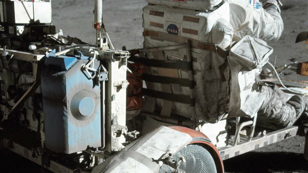 lunar-roving-vehicle-the-one-and-only-car-on-the-moon (22)