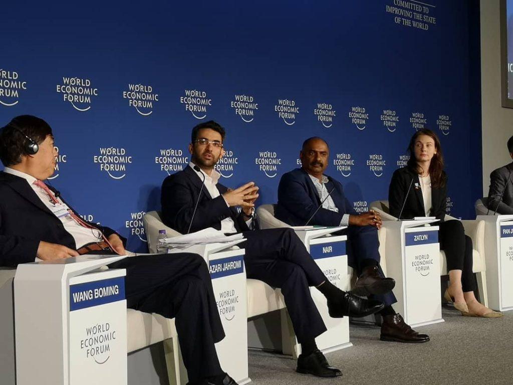 وزیر ارتباطات در مجمع جهانی اقتصاد