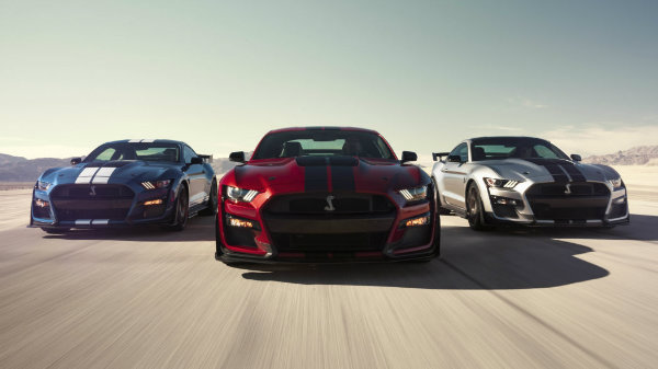 2020-ford-mustang-shelby-gt500-1