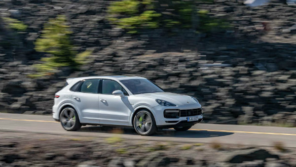 2020-porsche-cayenne-turbo-s-e-hybrid (1)