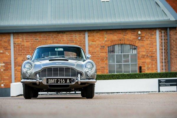 222de383-1965-aston-martin-db5-bond-car-09