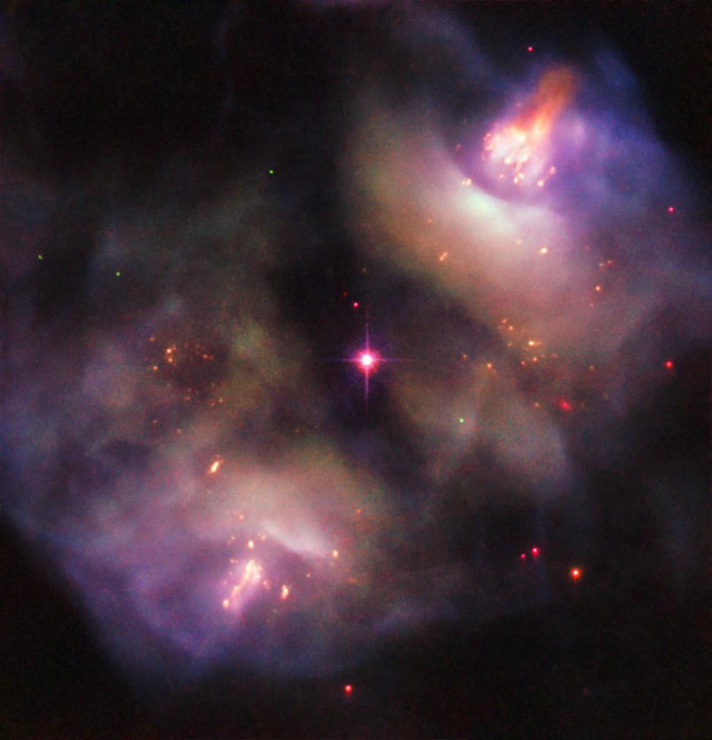 تصویر تلسکوپ فضایی هابل از سحابی NGC 2371/2
