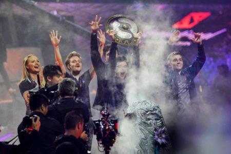 تاریخ سازی قهرمانان تورنمنت دوتا 2 با کسب جایزه هنگفت 15 میلیون دلاری