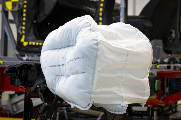 b3fa4773-honda-new-passenger-airbag-design-3